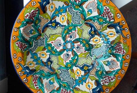 Schaal uit Tunesië, in diverse kleuren